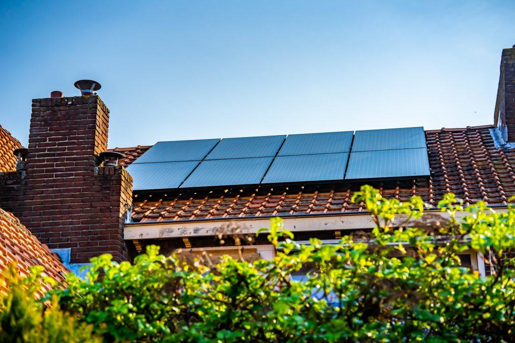 Installation de panneaux solaires sur votre toit